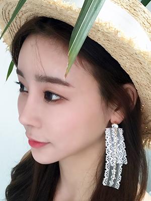 레이스 큐빅 귀걸이