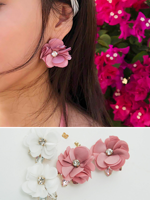 큐빅 꽃송이 귀걸이