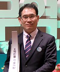 교육장비No.1 매출회사 (주)영일교육시스템 대표 박영종