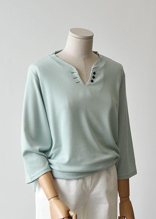 밀리 단추 트임 티셔츠