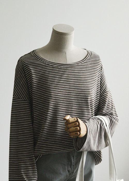 트임 잔줄 루즈핏 티셔츠