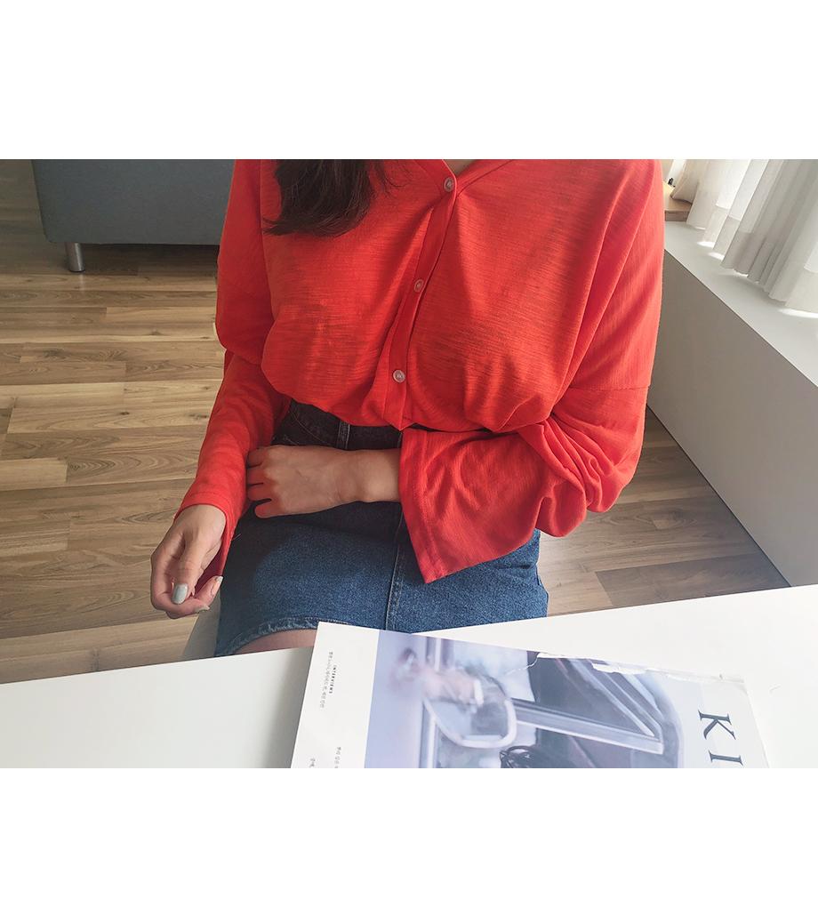 리리앤코 파니팡 브이넥 버튼 티셔츠